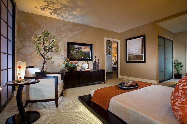 Для спальни в японском стиле прекрасно подойдет низкая кровать без ножек