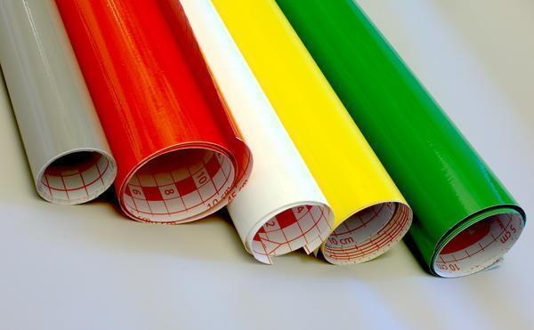 ПХВ-пленка имеет отличную прочность и используют ее в основном для отделки мебели