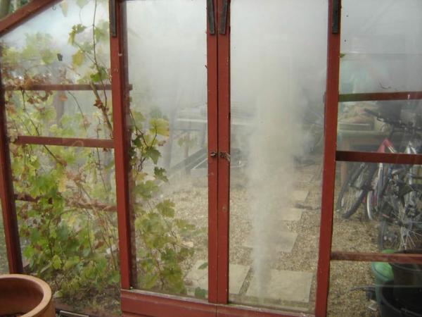 Как обработать теплицу осенью