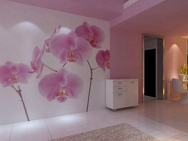 В большой комнате красиво и оригинально будет смотреться на обоях нежный цветок на тонком стебле - орхидея