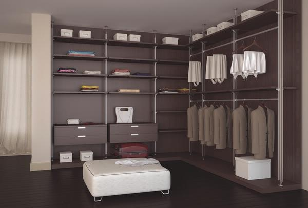 Встроенные угловые гардеробные отлично вписываются в интерьер, выполненный в стиле модерн или хай-тек