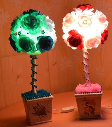 Топиарий-светильник не только украсит помещение, но еще станет очень практичным предметом интерьера