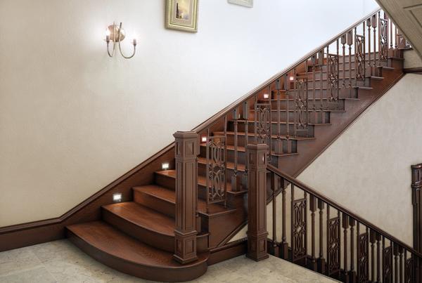 В коттеджах используются деревянные, металлические и стеклянные лестницы