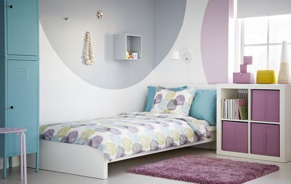 При выборе кровати нужно обращать внимание на ее ширину, так как односпальная всего на 40 сантиметров меньше, чем двухспальная