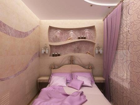 Если спальня маленькая, то кровать лучше расположить по центру, а по бокам поставить необходимую мебель, чтобы комната смотрелась органично
