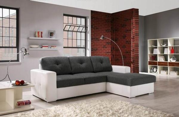 Диван следует выбирать исходя из размеров и дизайна гостиной
