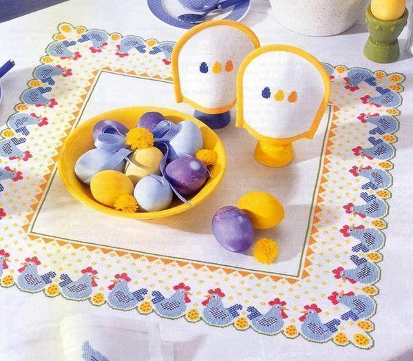 Пасхальная вышивка с яйцами и цыплятами отлично будет смотреться на салфетках или небольших полотенцах