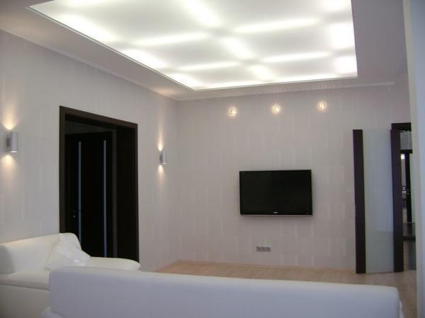 Натяжные потолки с подсветкой изнутри - это стильное решение, позволяющее придать помещению необычный внешний вид