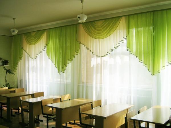 Крайне важно, чтобы шторы для школы были из негорючих материалов