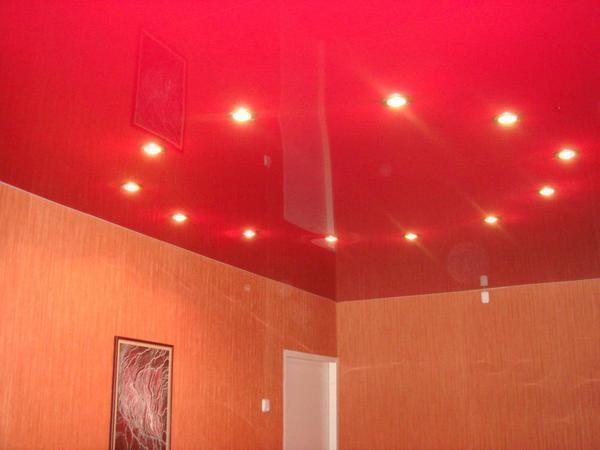 Овал - наиболее популярная схема расположения осветительных приборов, обеспечивающая равномерное освещение помещения