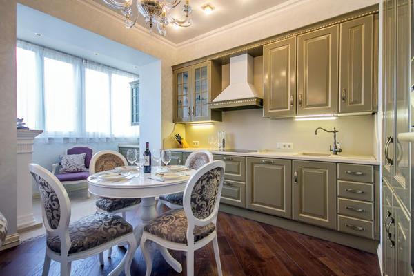 Для каждой хозяйки именно кухня является главным помещением в доме. И не секрет, что всем хочется сделать эту комнату максимально удобной, просторной и комфортной
