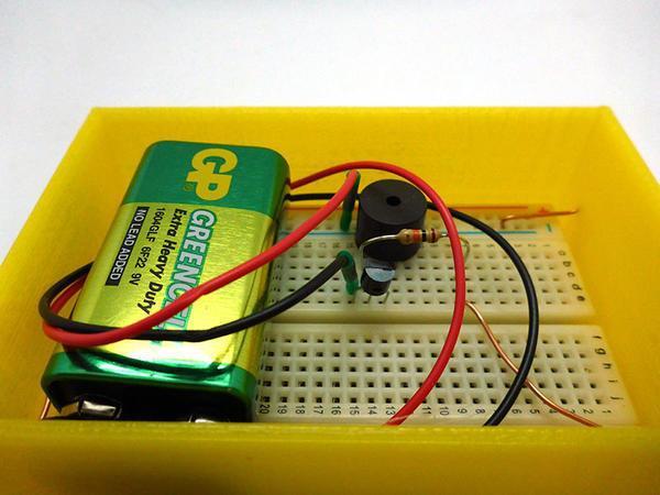 Схема датчика протечки воды включает контроллер, датчик и шаровой водопроводный клапан