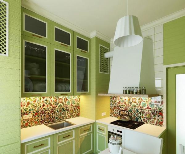 Беспроигрышный вариант – сочетать зеленые стены разных оттенков с белым потолком