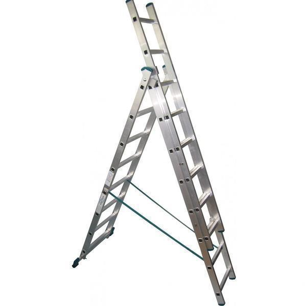 Лестница Алюмет 3х12 оснащена противоскользящими резинками, поэтому ее можно использовать на мокрой поверхности