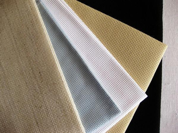 Для вышивки портрета крестиком лучше приобрести канву высокого качества