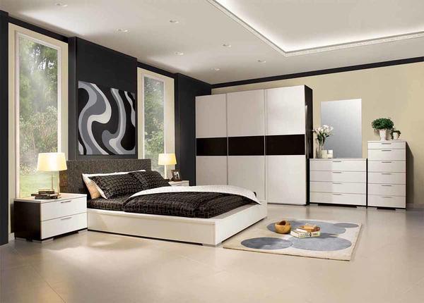 Лучше всего выбирать такую мебель, которая хорошо сочетается со стилем хай-тек
