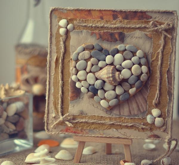 Панно из подручных материалов своими руками: из камней и шаров, из фоамирана, мастер-класс из шишек и металла