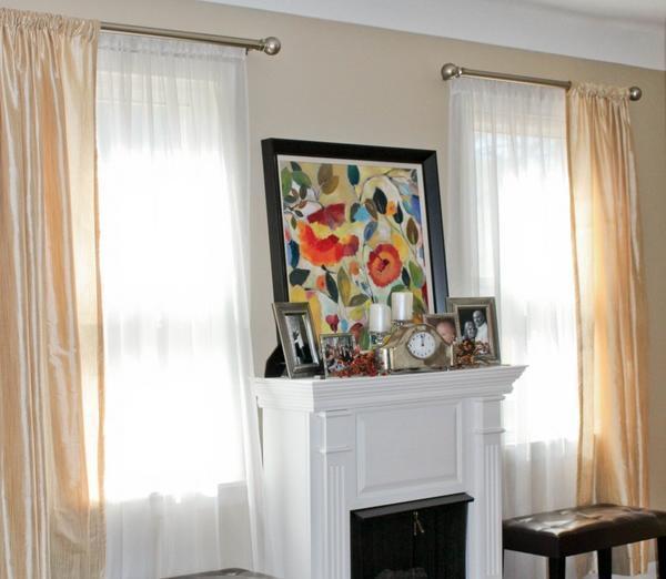 Чтобы комната смотрелась гармонично, рекомендуется выбирать одинаковые шторы