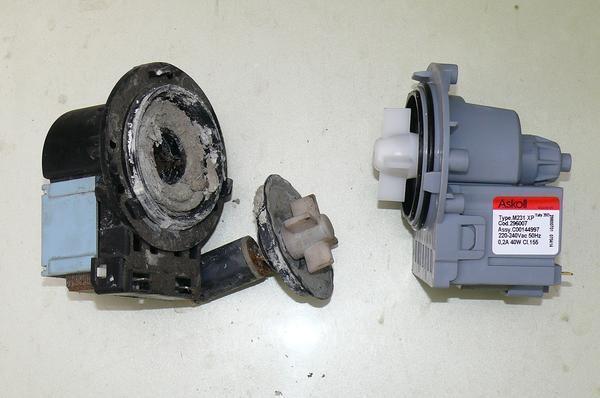 Рекомендуется регулярно чистить насос стиральной машины и менять детали, которые подвергаются износу