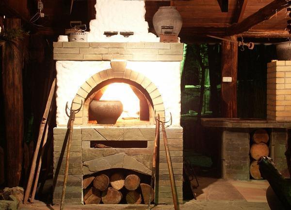 Мини-русская печь позволяет готовить вкусные и полезные блюда для всей семьи