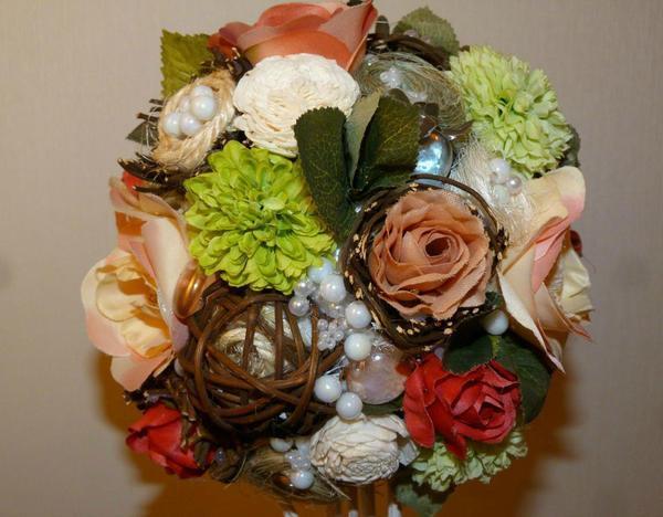 Для создания топиария выбирайте свои любимые цветы и не бойтесь, что процесс будет слишком трудоемким
