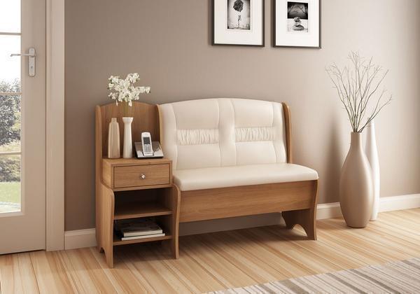 Диван является отличным предметом мебели, на который можно присесть отдохнуть или положить вещи
