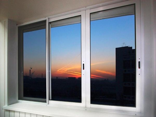 Tingkap Plastik Gelongsor Di Balkoni Boleh Terdiri Daripada Beberapa Jenis