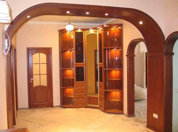 Гипсокартонный дверной проем поможет стильно и красиво украсить практически любое помещение