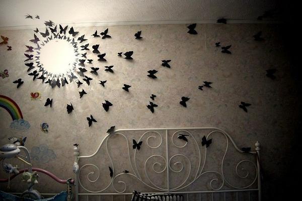 Создание панно из бабочек в 3D формате визуально сделает комнату более воздушной и легкой