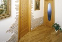 dekorativnyj-kamen-v-koridore-5-1024x888