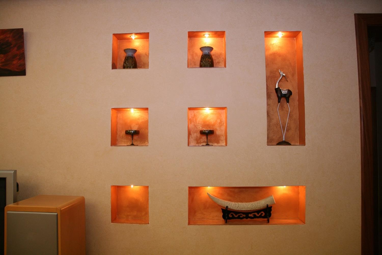 полочки в стене с подсветкой фото правила