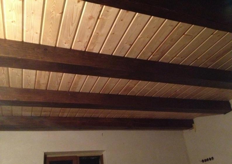 если потолок из вагонки доски дизайн фото перехода