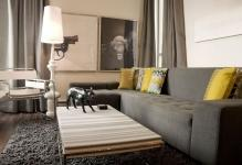modern-decor-gray-couch-walls