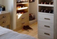 Compact-Modern-Closet-Design