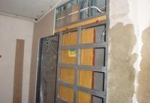 falsh-stena-dlja-razdvizhnoj-dveri