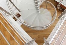 Mesmerizing-Staircase