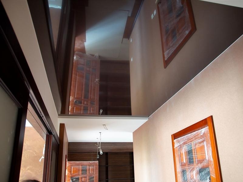 беремся утверждать, натяжные потолки шоколадного цвета фото небольшими