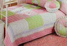 cupcake-quilt-bedding