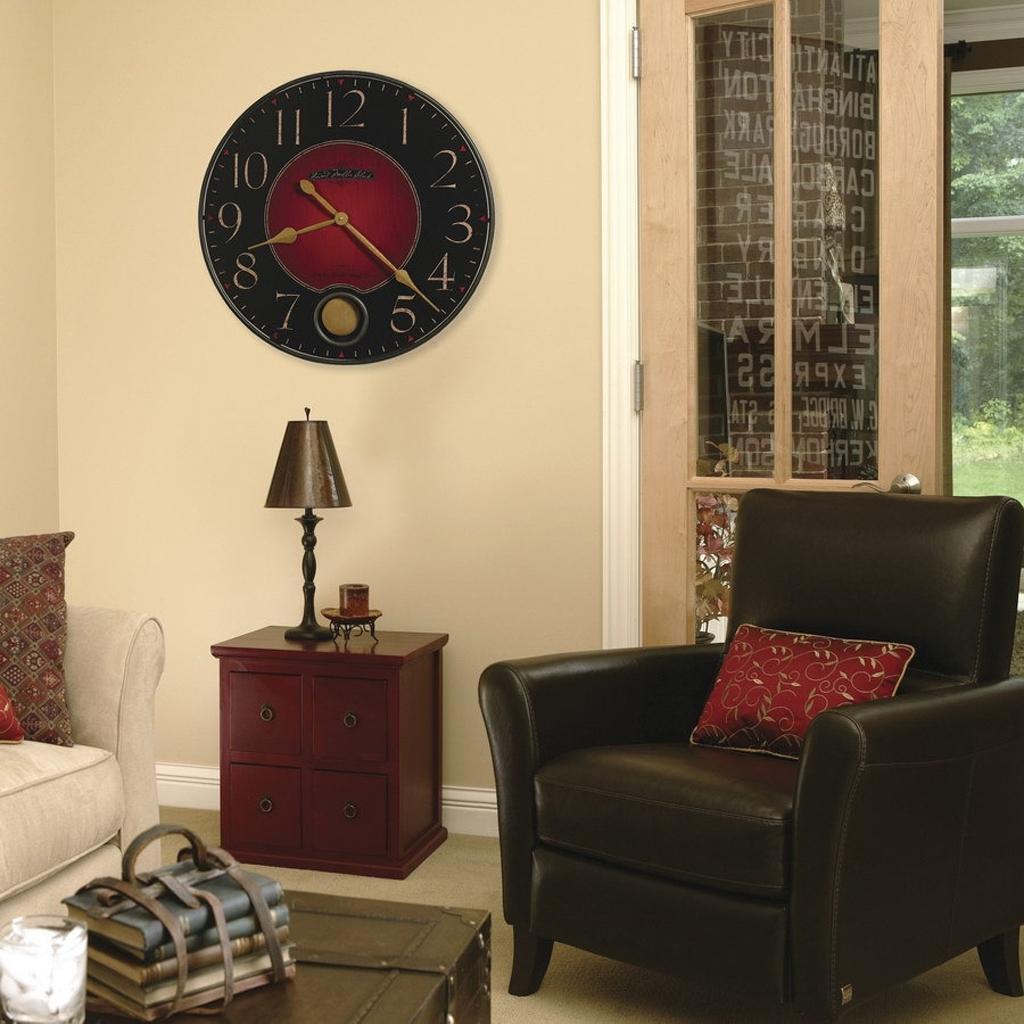 спальня с настенными часами фото посвященная научной ярмарке
