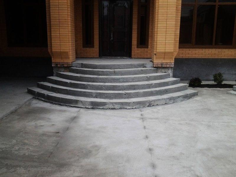 фото картинки входных бетонных лестниц була відзнята