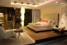dramatic-bedroom-with-modern-gypsum-false-ceiling-decorating-ideas