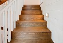 03rustic-staircaseWHG