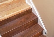 Laminate-Flooring-Stairs-Simple
