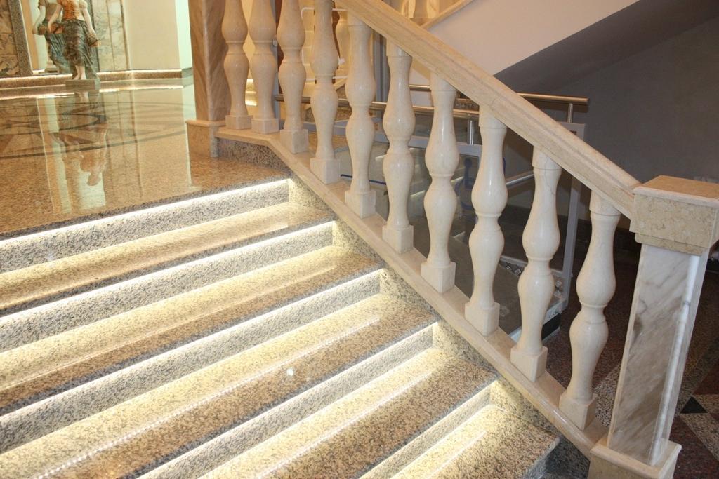 хочу фотографии мраморных лестниц старался