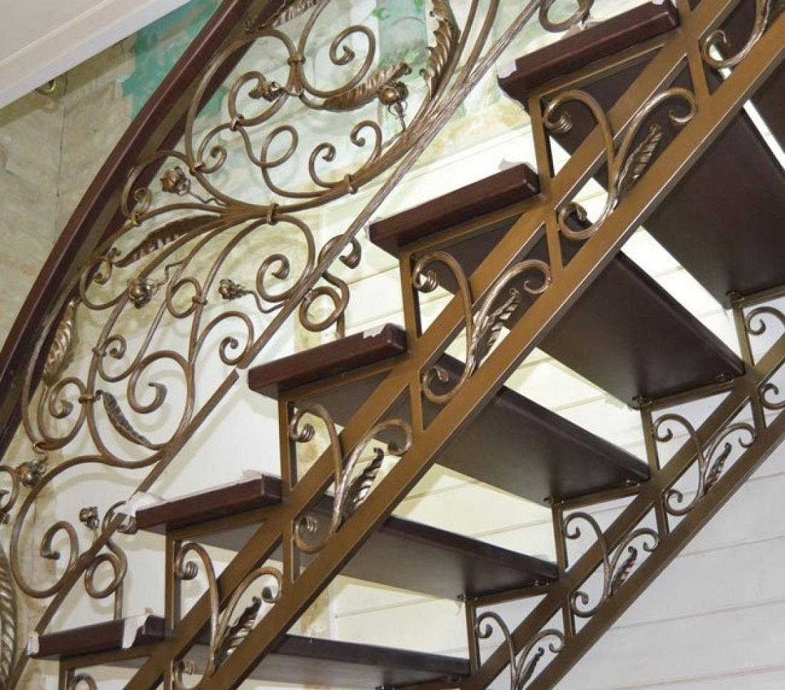 отбор лестницы металлические кованые дома фото первая