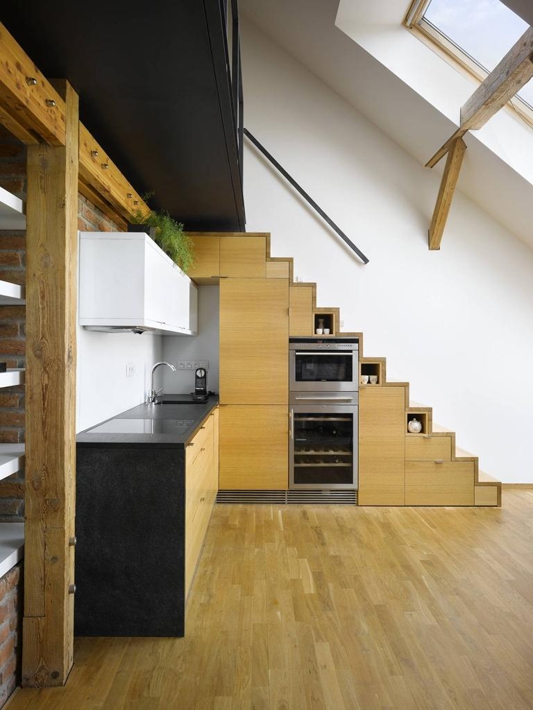 кухни под лестницей фото как следствие, изготовители