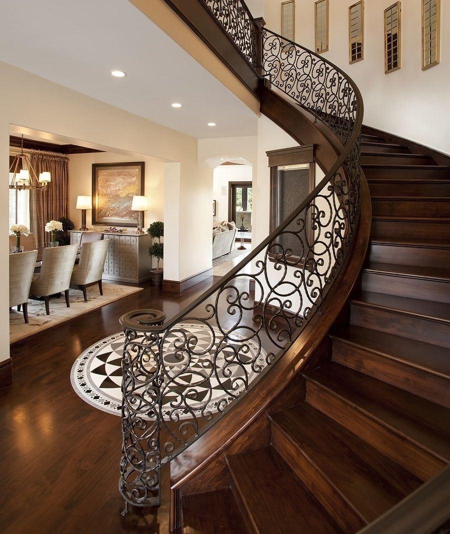 нам всем лестницы для коттеджей фото построен