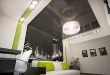 Настенные натяжные потолки: как заменить полотном обои