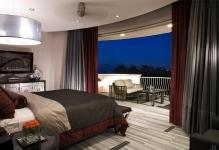 contemporary-modern-retro-open-bedroom-3200