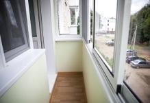 Vnutrennyaya-otdelka-balkonov-i-lodzhiy
